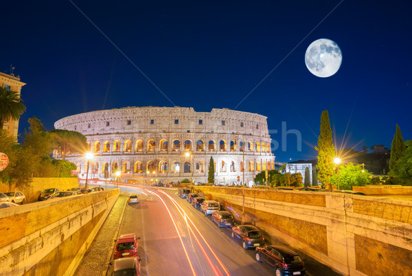 Coliseu ver semáforo lua céu Foto stock © neirfy