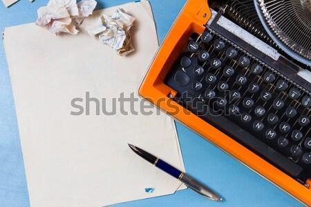 Vintage orange machine à écrire rétro portable Photo stock © neirfy