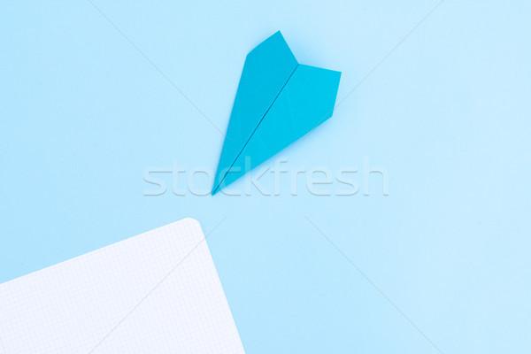 Zurück in die Schule minimal Szene Papier Flugzeug blau Stock foto © neirfy
