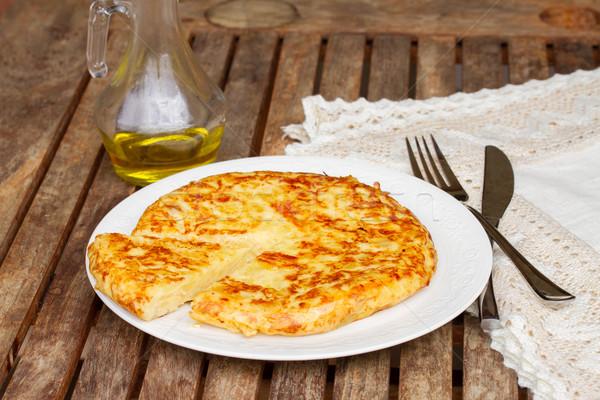 Tortilla espanhol batata servido prato mesa de madeira Foto stock © neirfy