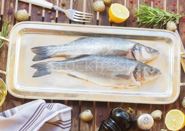 ストックフォト: 2 · 新鮮な · 生 · 魚 · 銀 · トレイ