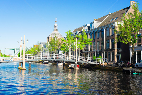 Nederland historisch bruggen oude binnenstad boom zomer Stockfoto © neirfy
