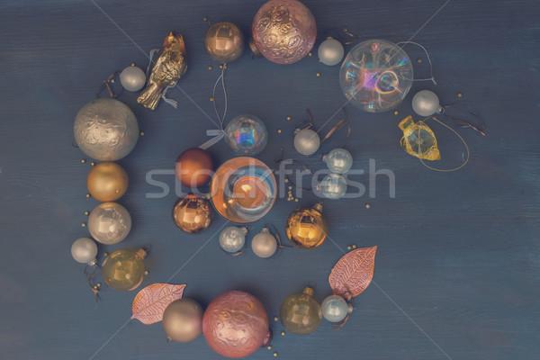 Noel altın süslemeleri gümüş karanlık ahşap Stok fotoğraf © neirfy