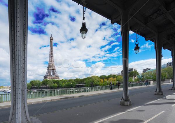 Eiffel tur nehir görmek Paris sokak Stok fotoğraf © neirfy