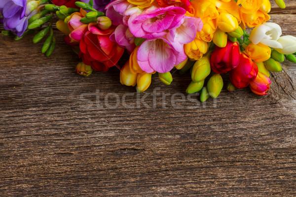 Taze çiçekler ahşap masa bo doğa arka plan Stok fotoğraf © neirfy