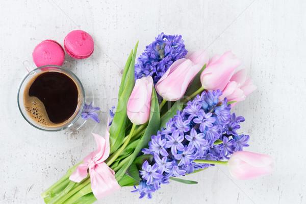 Lale pembe mavi çiçekler fincan kahve Stok fotoğraf © neirfy