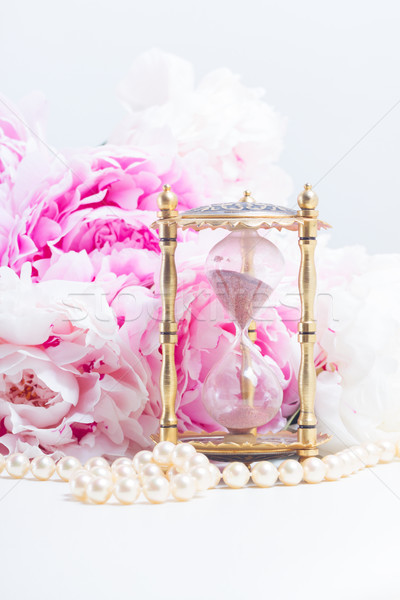 Essenza clessidra perle fresche rosa fiori Foto d'archivio © neirfy