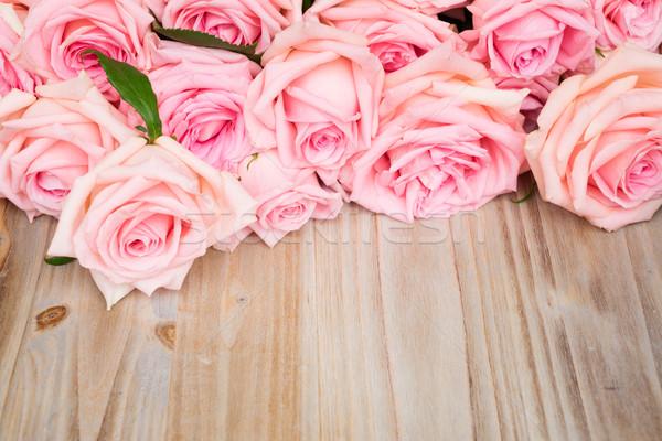 Rózsaszín virágzó rózsák fa keret copy space Stock fotó © neirfy