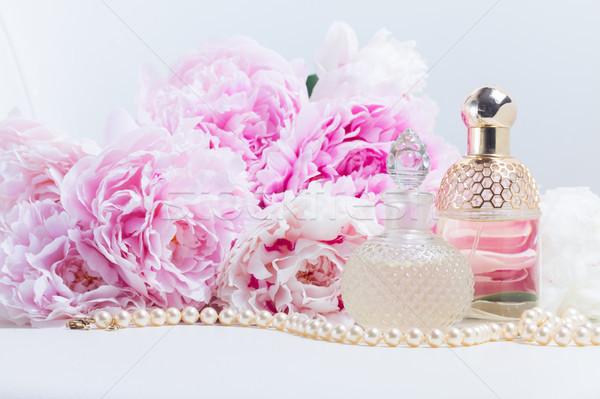 Essência vidro fresco rosa flores branco Foto stock © neirfy