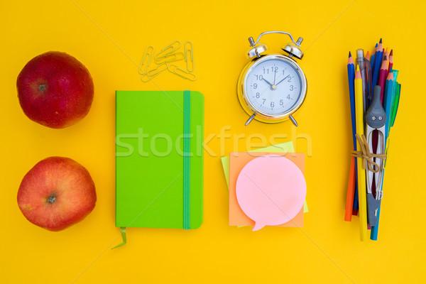 Zurück in die Schule kreative Szene gelb Schule Stock foto © neirfy