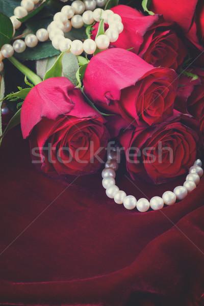 Piros rózsa bársony halom friss virágok selyem Stock fotó © neirfy