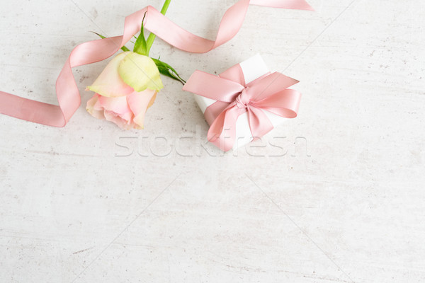 Gift box with pink bow Stock photo © neirfy
