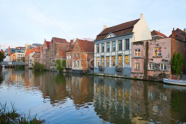 Сток-фото: зданий · канал · внешний · старые · небе · воды