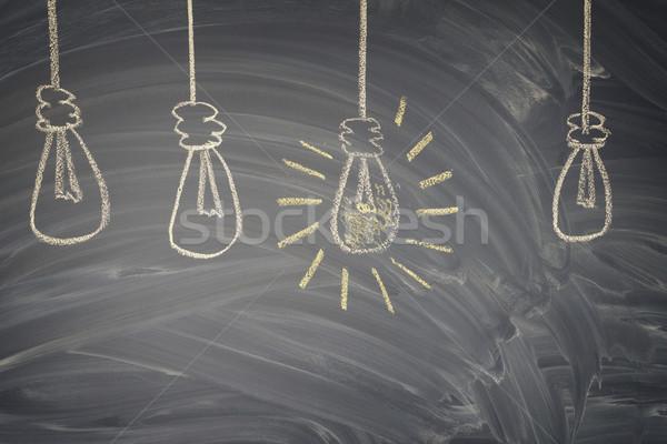 Idee gloeilamp rij een Stockfoto © neirfy