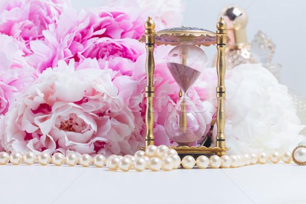 Essenza clessidra fresche fiori perle bianco Foto d'archivio © neirfy