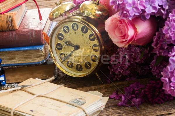 Antyczne zegar mail budzik kwiaty Zdjęcia stock © neirfy