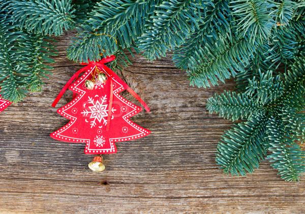 Natale fresche evergreen albero rami rosso Foto d'archivio © neirfy