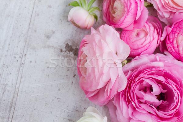 Pembe beyaz çiçekler ahşap düğün Stok fotoğraf © neirfy