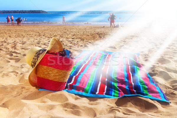 Сток-фото: полотенце · корзины · соломы · сумку · пляж