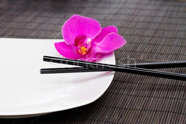 ázsiai konyha üres tányér evőpálcikák étel konyha Stock fotó © neirfy
