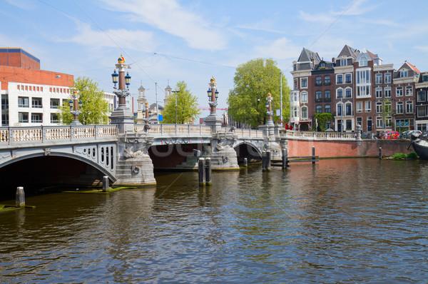 Azul puente Amsterdam río Países Bajos ciudad Foto stock © neirfy