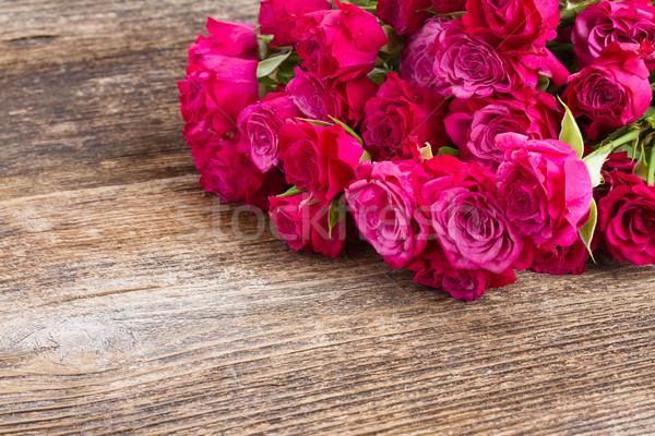 Leylak rengi güller taze ahşap masa düğün Stok fotoğraf © neirfy