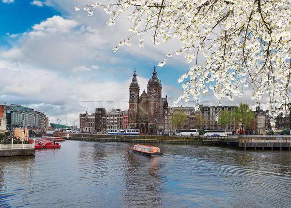 Kerk Amsterdam skyline oude binnenstad kanaal voorjaar Stockfoto © neirfy