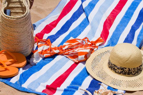 Libro toalla de playa libro abierto sol verano Foto stock © neirfy