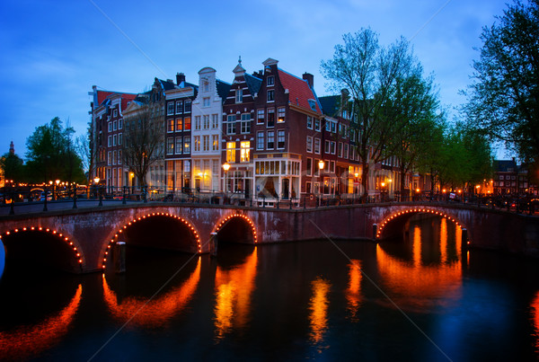 Amsterdam Nederland schemering beroemd huis gebouw Stockfoto © neirfy