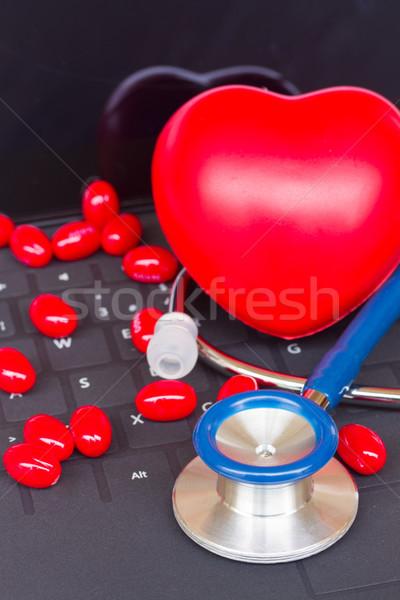 Stockfoto: Stethoscoop · zwarte · toetsenbord · Blauw · Rood · pillen