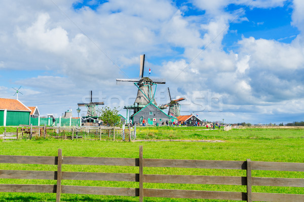 Nederlands wind traditioneel landschap windmolen voorjaar Stockfoto © neirfy