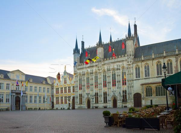 Placu starówka budynku ulicy banderą rynku Zdjęcia stock © neirfy