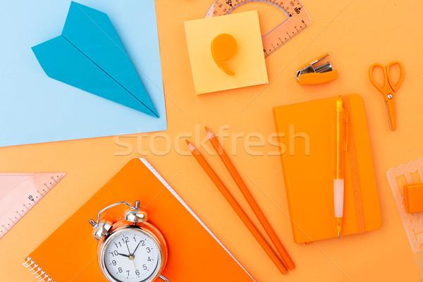 Zurück in die Schule Szene Schulbedarf blau orange Büro Stock foto © neirfy
