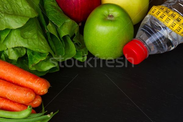 Gezonde voeding tabel gezonde rauw voedsel water zwarte Stockfoto © neirfy