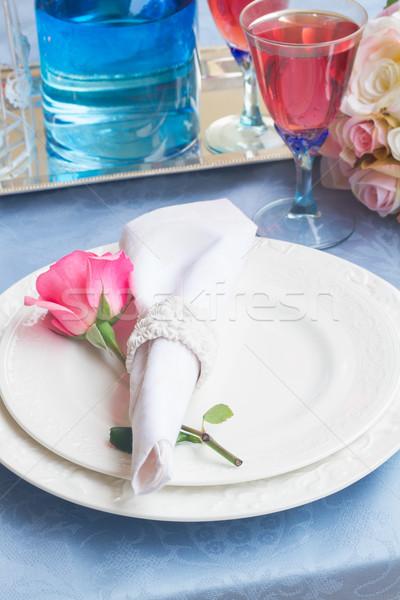 Arts de la table dîner plaques serviette coutellerie fleurs Photo stock © neirfy
