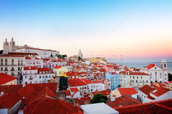View Lisbona Portogallo città vecchia quartiere rosa Foto d'archivio © neirfy