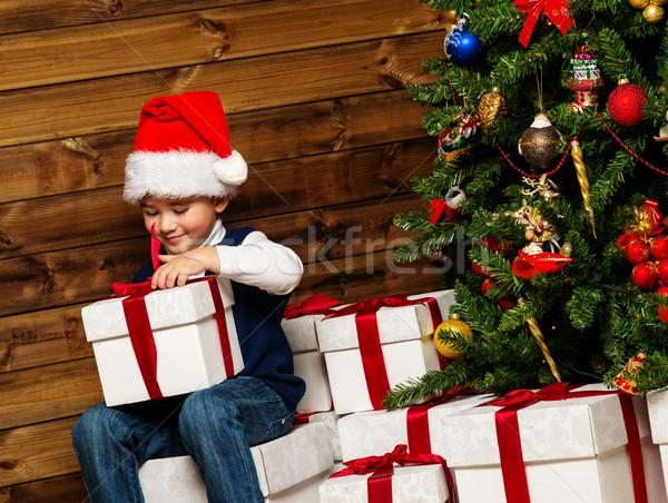 Stock fotó: Kicsi · fiú · mikulás · kalap · nyitás · ajándék · doboz