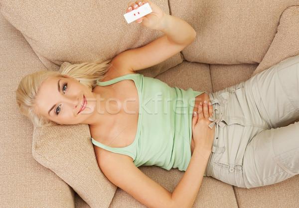 Foto stock: Feliz · positivo · prueba · del · embarazo · mujer