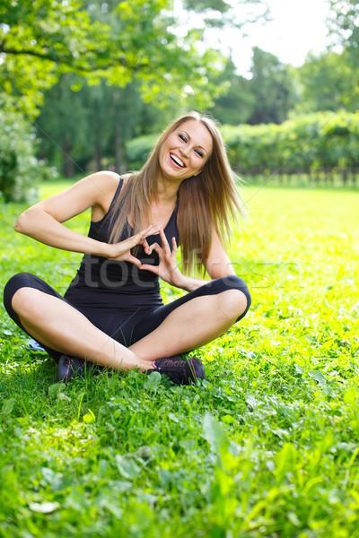 Stok fotoğraf: Genç · mutlu · kız · kalp