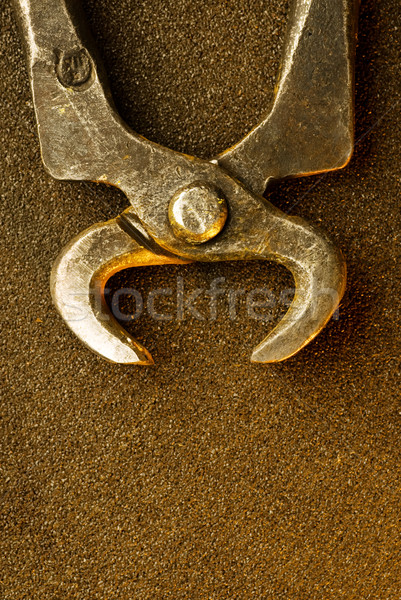 Starych metal szczypce streszczenie tle przemysłowych Zdjęcia stock © Nejron
