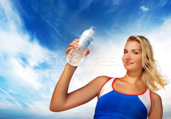 питьевая вода фитнес осуществлять девушки облака Сток-фото © Nejron