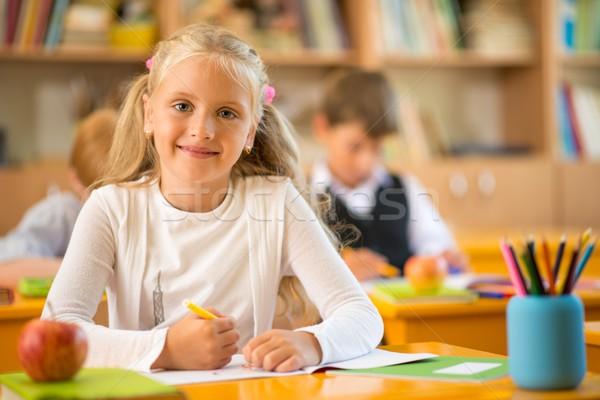 Photo stock: Peu · écolière · séance · derrière · école · bureau