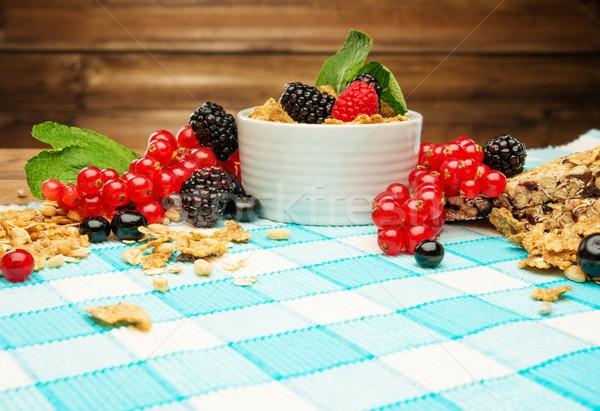 ボウル ミューズリー 新鮮な 液果類 テーブルクロス 木材 ストックフォト © Nejron