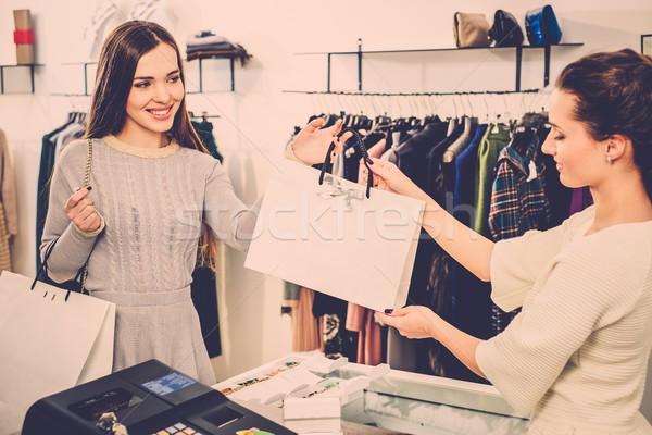 ストックフォト: 幸せ · 顧客 · ショッピングバッグ · ファッション · ショールーム · お金