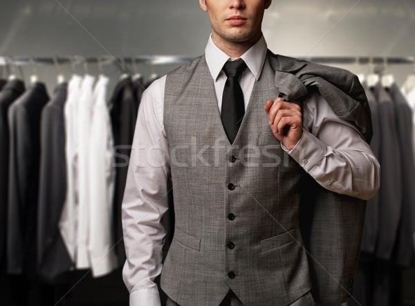Zakenman klassiek vest rij suits winkel Stockfoto © Nejron