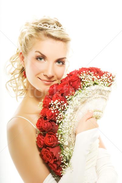 Schönen jungen Braut Luxus Bouquet rote Rosen Stock foto © Nejron