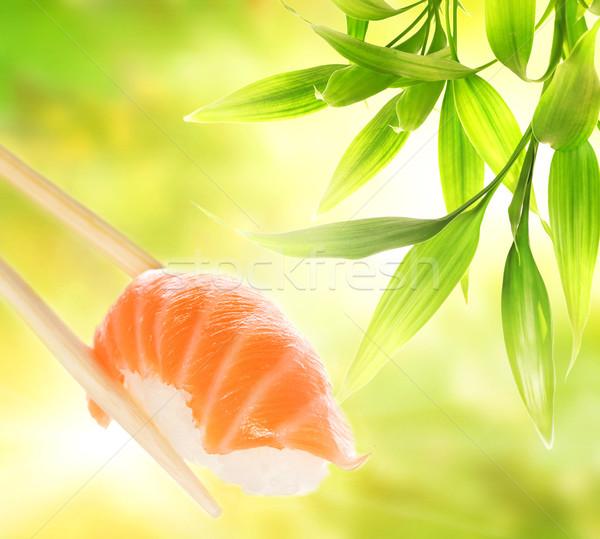Ahşap Çin yemek çubukları somon sashimi balık Stok fotoğraf © Nejron