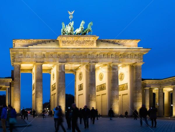 Brandenburgi kapu éjszaka Berlin égbolt épület háború Stock fotó © Nejron