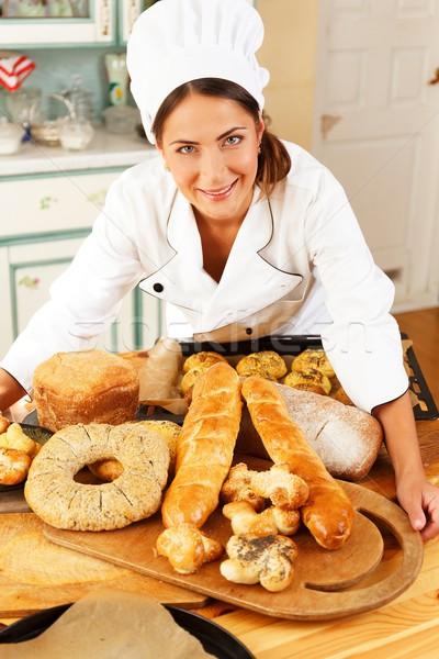 Mulher cozinhar tabela caseiro bens Foto stock © Nejron