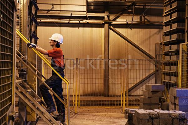 Stockfoto: Fabrieksarbeider · gebouw · metaal · lopen · werknemer · industriële